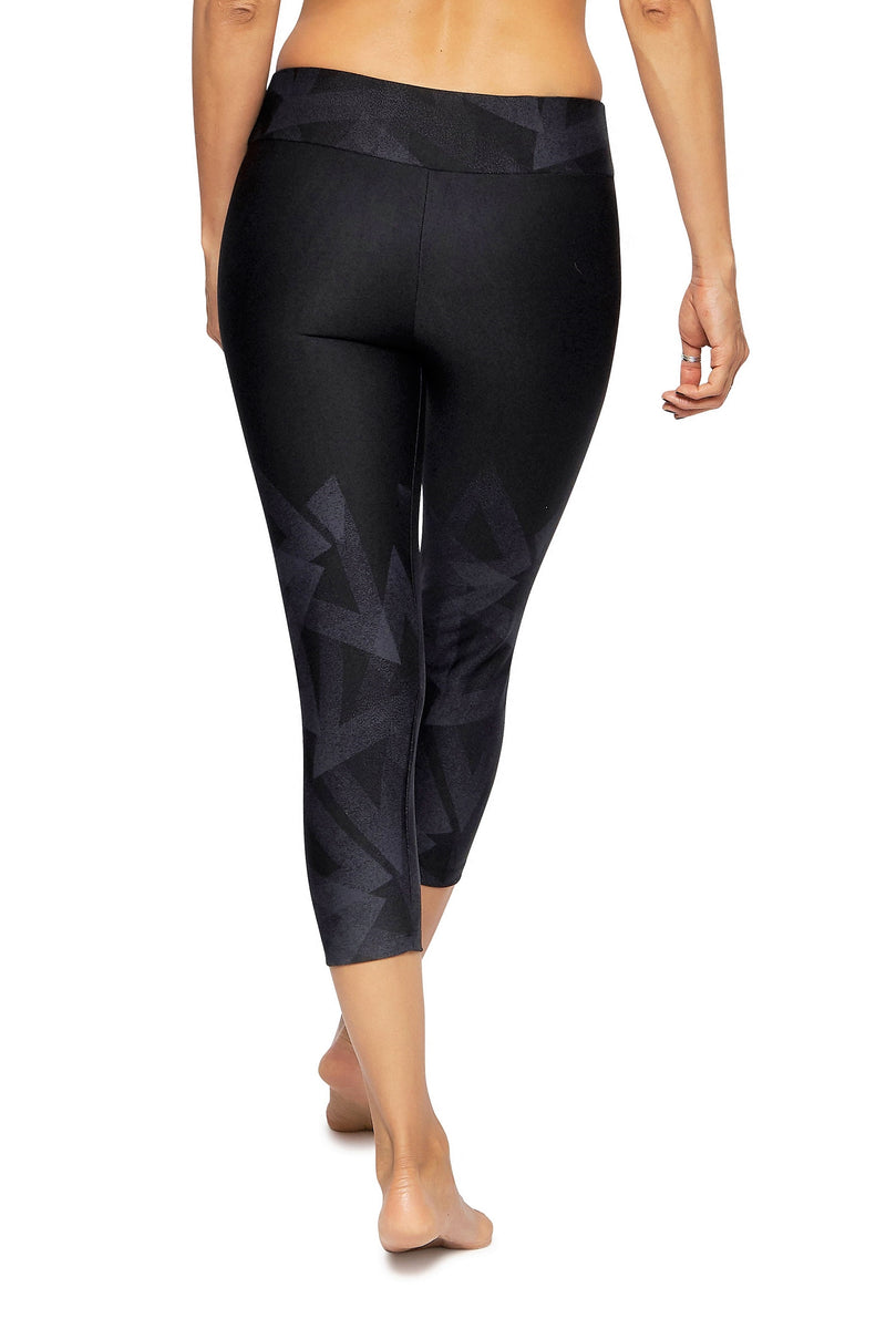 Brasilfit Australia Activewear High compression 7/8 sports tights Mirrors-black with subtle geometrical chic pattern mid calf ength - back view close up