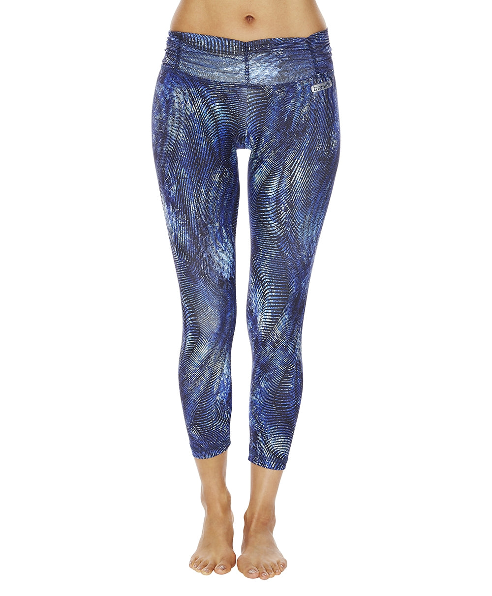 Frequency Mid Calf Legging