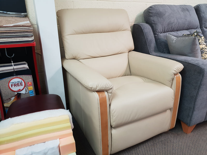 Call Salotti Adele 2 Seater & 2 Chairs