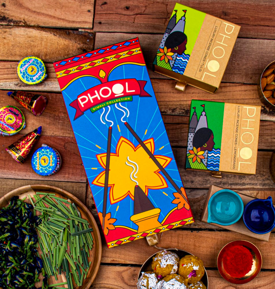 Phool Diwali Cracker Giftbox - Natural Incense Cones Collection (2 Fragrances+2 Diyas)