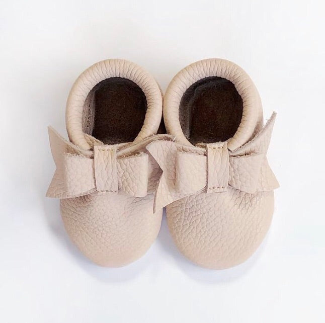 Leather Bow Moccasins - Nude Pink