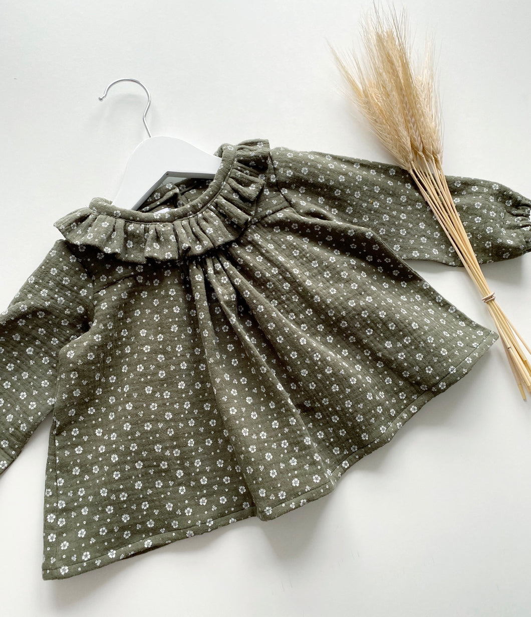 Olive Crinkle Flora Blouse (Ready to post)