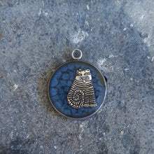 Load image into Gallery viewer, Fat Cat pendant necklace