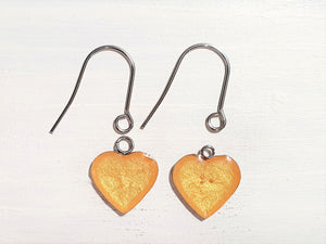Heart drop earrings with short wires