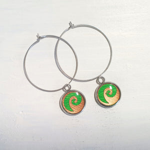 Waves drop circle wire earrings