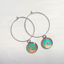 Load image into Gallery viewer, Waves drop circle wire earrings