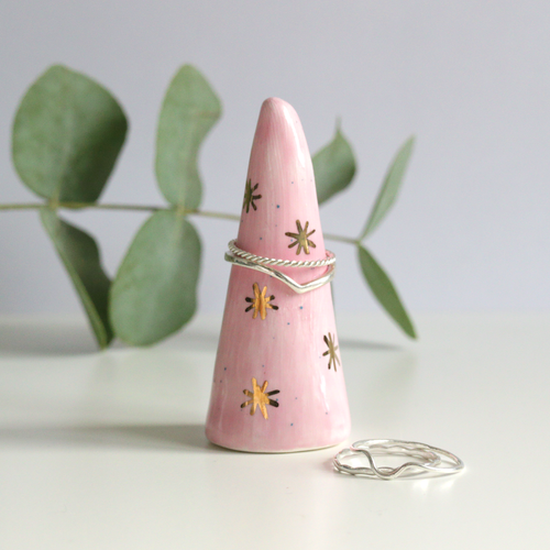 Pink Speckled Gold Lustre Ring Cone