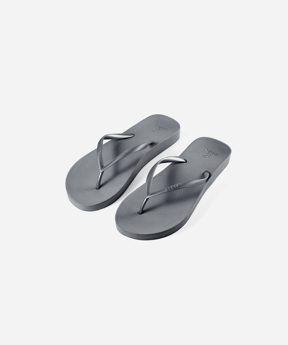 EEGO Ladies Flip Flop, in Silver