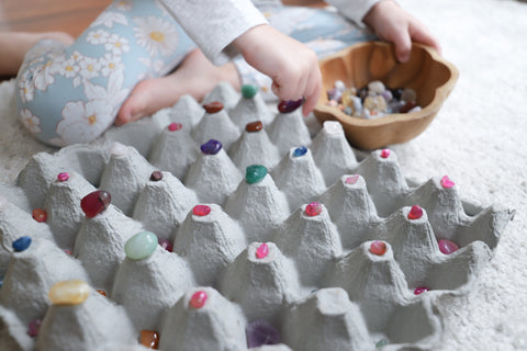 Crystals with recycled egg carton