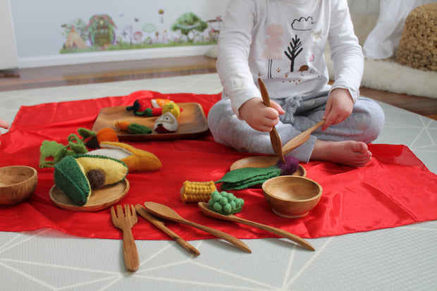 Papoose Wooden Plates, Bowl and Cutlery Set Little Toy Tribe