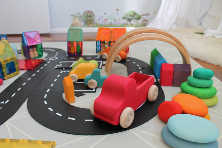 Waytoplay 16 piece expressway little toy tribe
