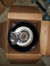 "Load image into Gallery viewer, 15"" modern SAE wheel clearance at 4"" Backspacing"