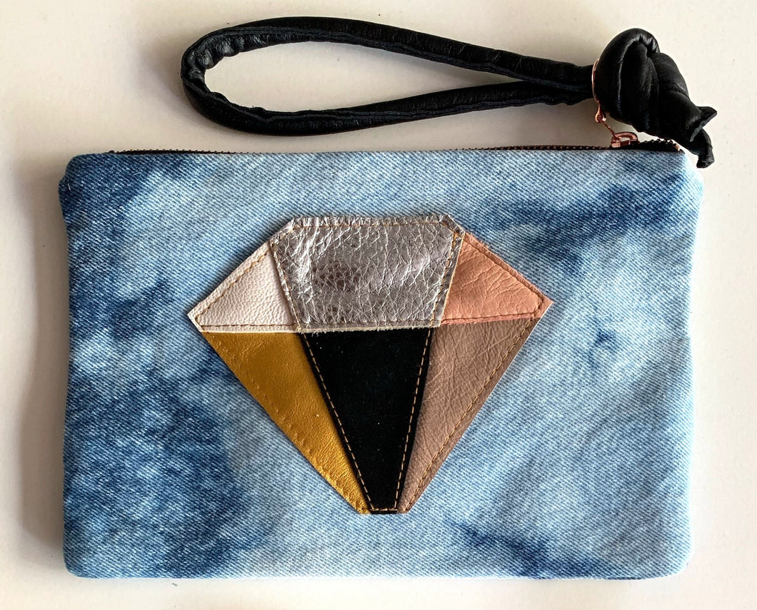 Abundance Clutch crystal