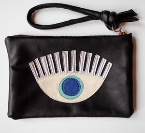 Abundance Clutch Blue Eye