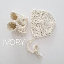Load image into Gallery viewer, Ivory Bamboo Bonnet and Bootie Set