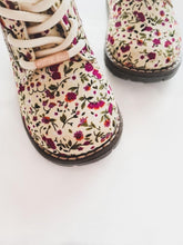 Load image into Gallery viewer, Aria Boots - Floral