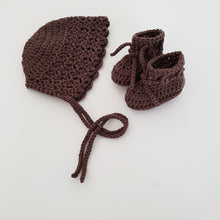 Load image into Gallery viewer, Espresso Bamboo Bonnet and Bootie Set