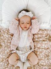 Load image into Gallery viewer, Mini Daisy Swaddle with Cream Fringe