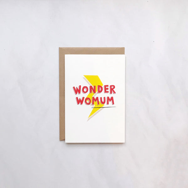 WONDER WOMUM CARD