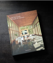 Livre — Portraits of Interiors