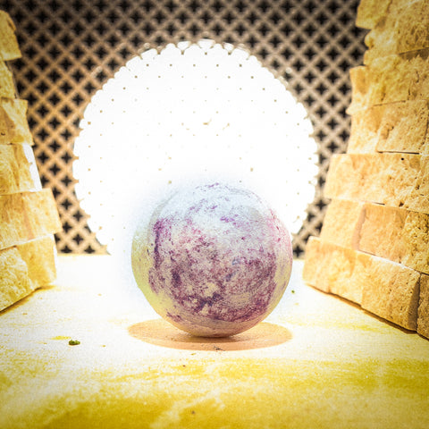 CRYSTAL BALL Bath Bomb
