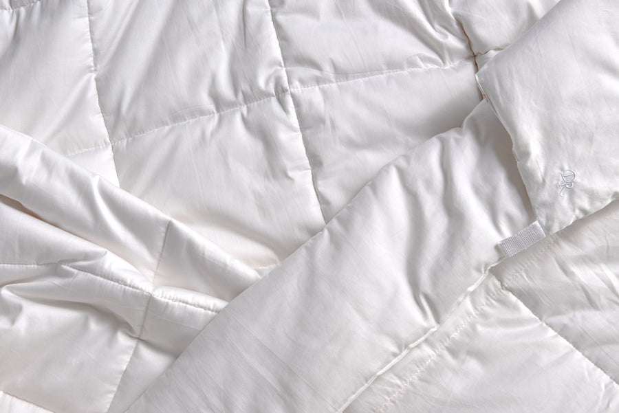 White duvet cover 100% cotton stuffing sewn in place breathable hypoallergenic