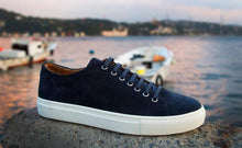 Load image into Gallery viewer, Human Scales Herbert Suede navy