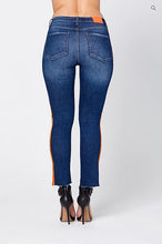 Load image into Gallery viewer, O-RUN' CROPPED JEANS