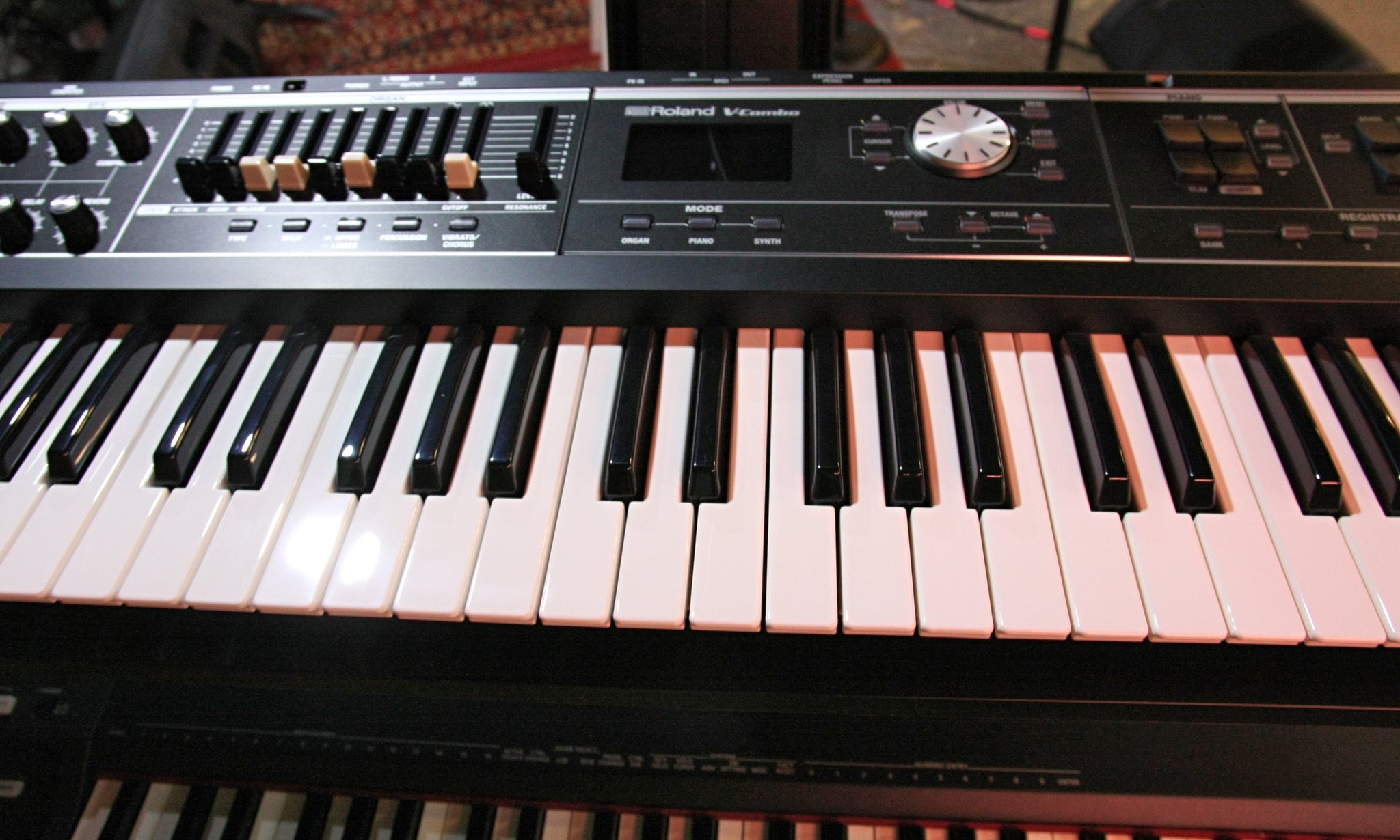 USED - Roland V-Combo VR-09-B 61-key Keyboard