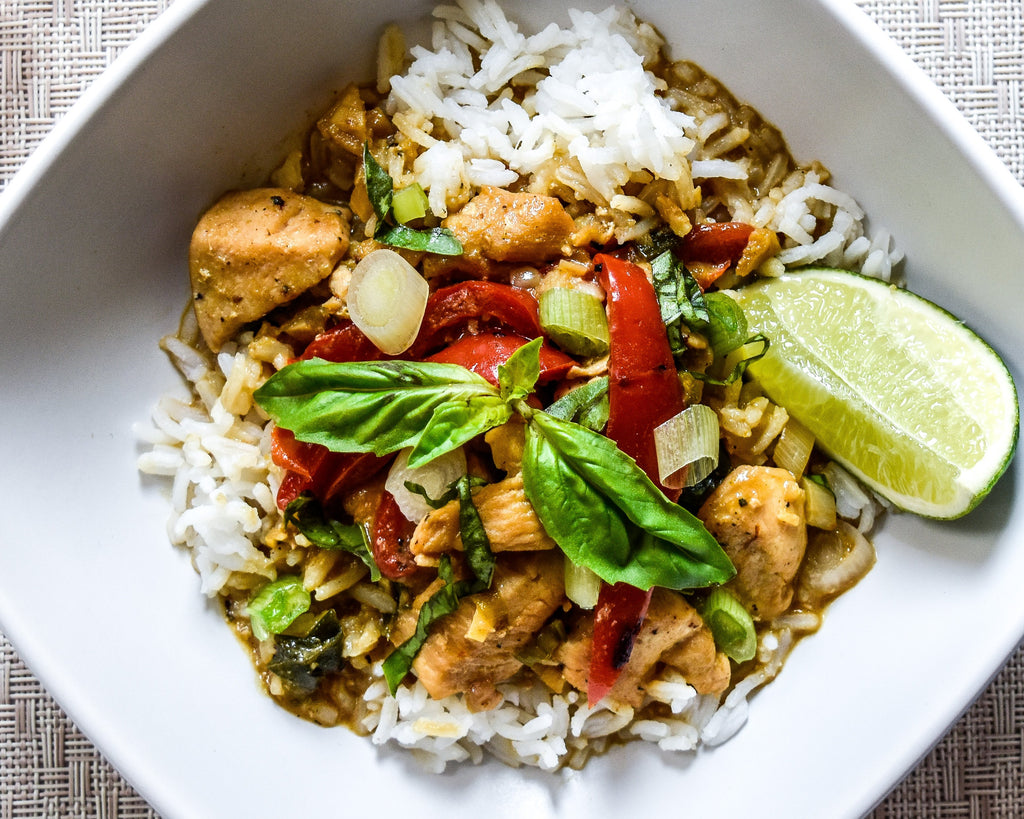 Easy Green Curry Chicken with Thai Flavors