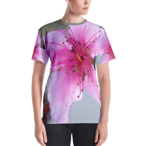 Women's T-shirt - Italian Style - Peach Flower. Size: XS-S-M-L-XL-2XL - I Love Giveaways