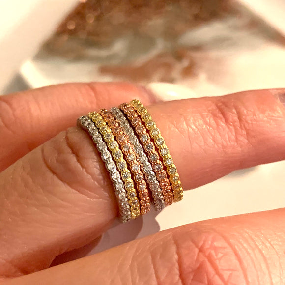 Timeless and classy stack of 3 rings