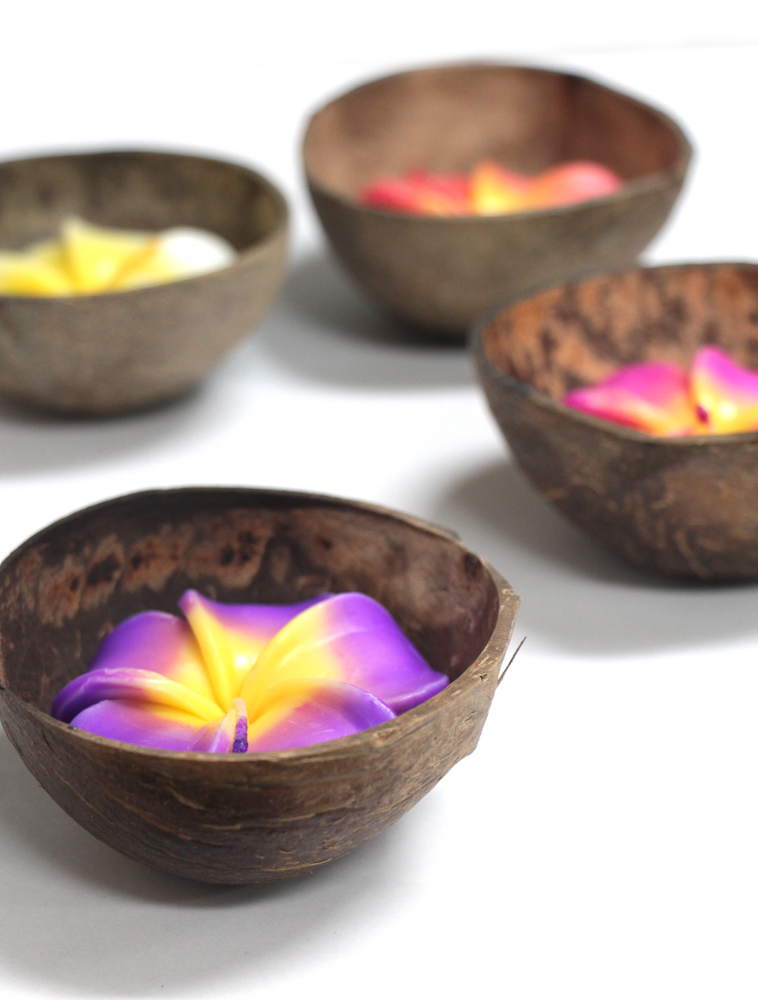 Candle: FLOWER CANDLE ON COCONUT BOWL