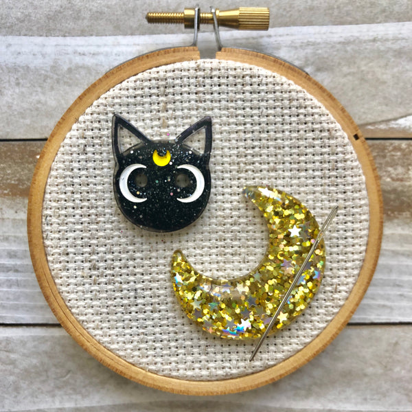 Large Halloween Moon and Cat Resin Needle Minder