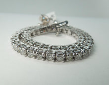 Load image into Gallery viewer, White gold 14K diamond tennis bracelet F VVS1 approx. 5.85 carats
