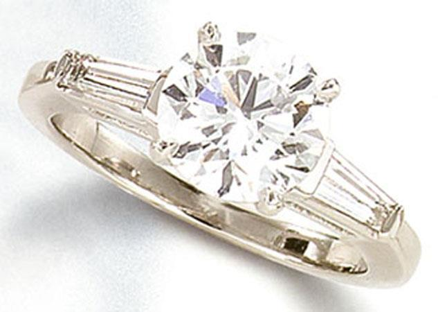 White gold 14K f VS1 three stone 3.21 carat  diamond ring