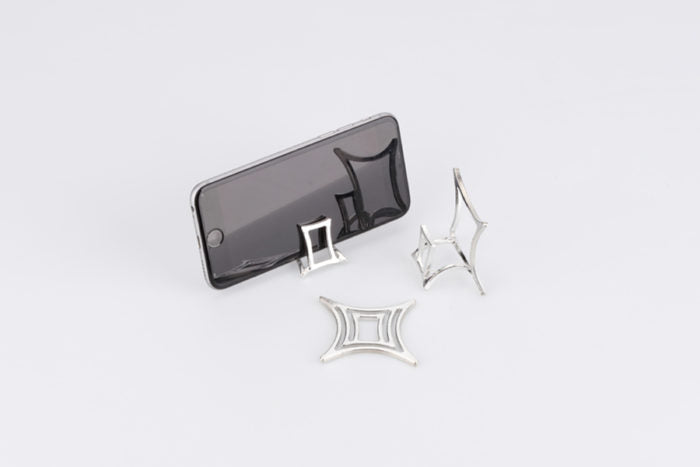 KAGO - Bendable phone stand