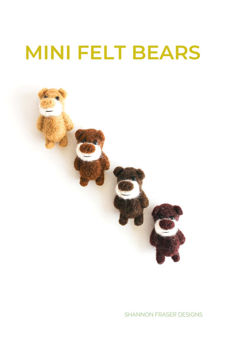 Mini felt bears in a diagonal.