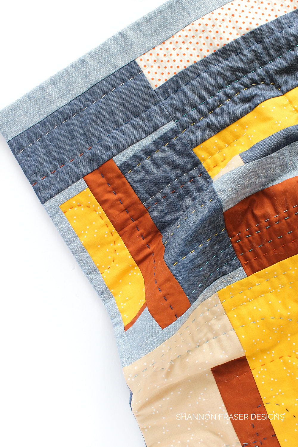 Hand quilted improv wall hanging featuring linen, denim and cotton | What I made in 2020 | Shannon Fraser Designs #modernimprovquilting