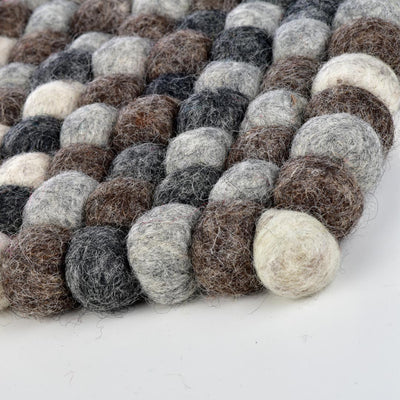WOOL FELT GUMBALL HOT PAD