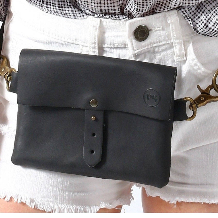 PRETTY SIMPLE LEATHER FESTIVAL BAG IN BLACK