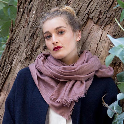 FOXTAIL CASHMERE SCARF IN ANTIQUE ROSE