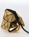 LUCENT METALLIC ISOSCELES TRIANGLE WRISTLET