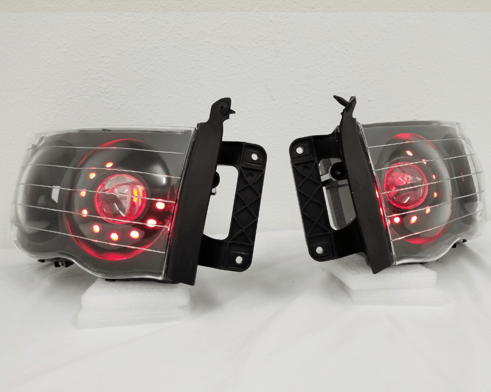 02-05 Dodge Ram Custom Headlights - Street Ambitionz