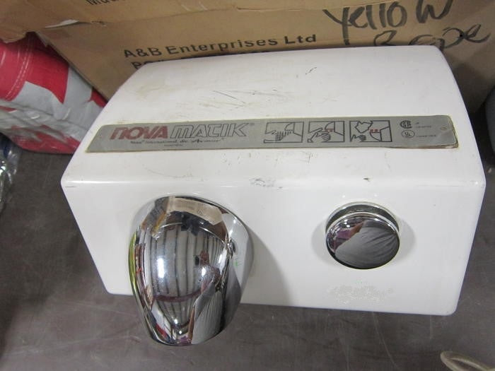 NOVA 0121 / NOVA 5 Push-Button Model (208V-240V) PUSH BUTTON ASSEMBLY (Part# 42-055005K) - Allied Hand Dryer