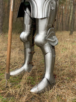 "Milan legs set ""Flemish Knight"" for jousting"