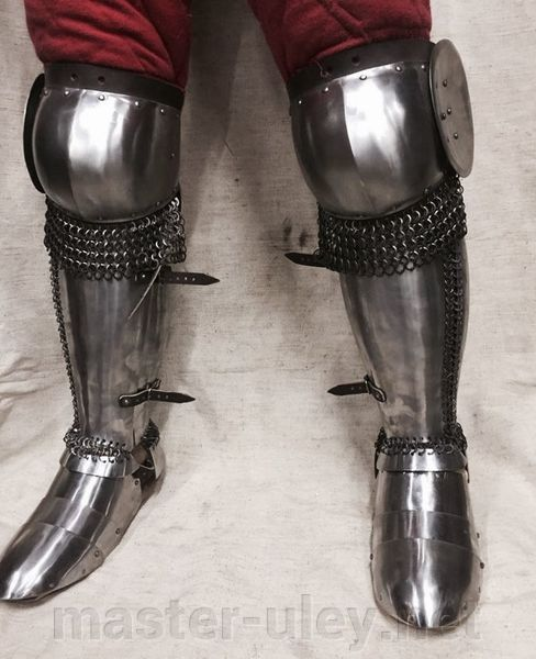 Mongol and eastern set legs. Knees+Greaves+sabatons