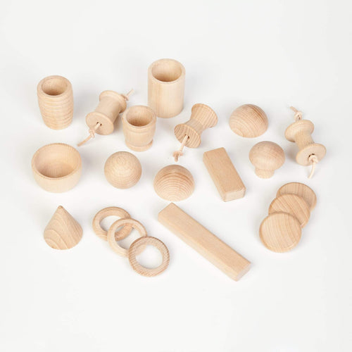 Grapat Natural Treasure Basket with 20 Elements - Wood Wood Toys Canada's Favourite Montessori Toy Store