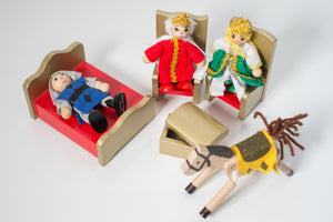 Melissa & Doug King and Queen Wooden Poseable Doll Set - Wood Wood Toys Canada's Favourite Montessori Toy Store