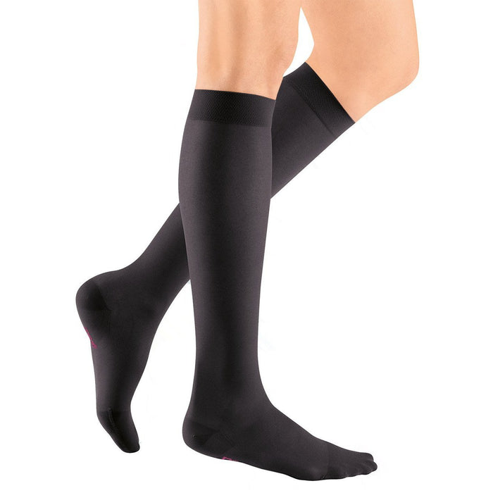 Medi Sheer & Soft Knee High 08-15mmHg - Black